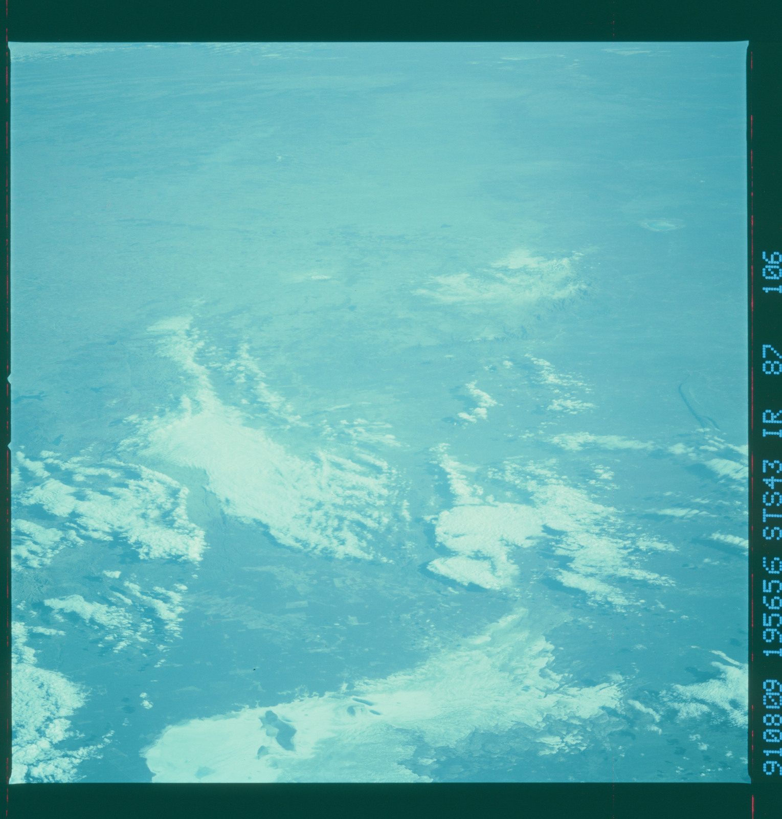 S43-87-106 - STS-043 - STS-43 earth observations