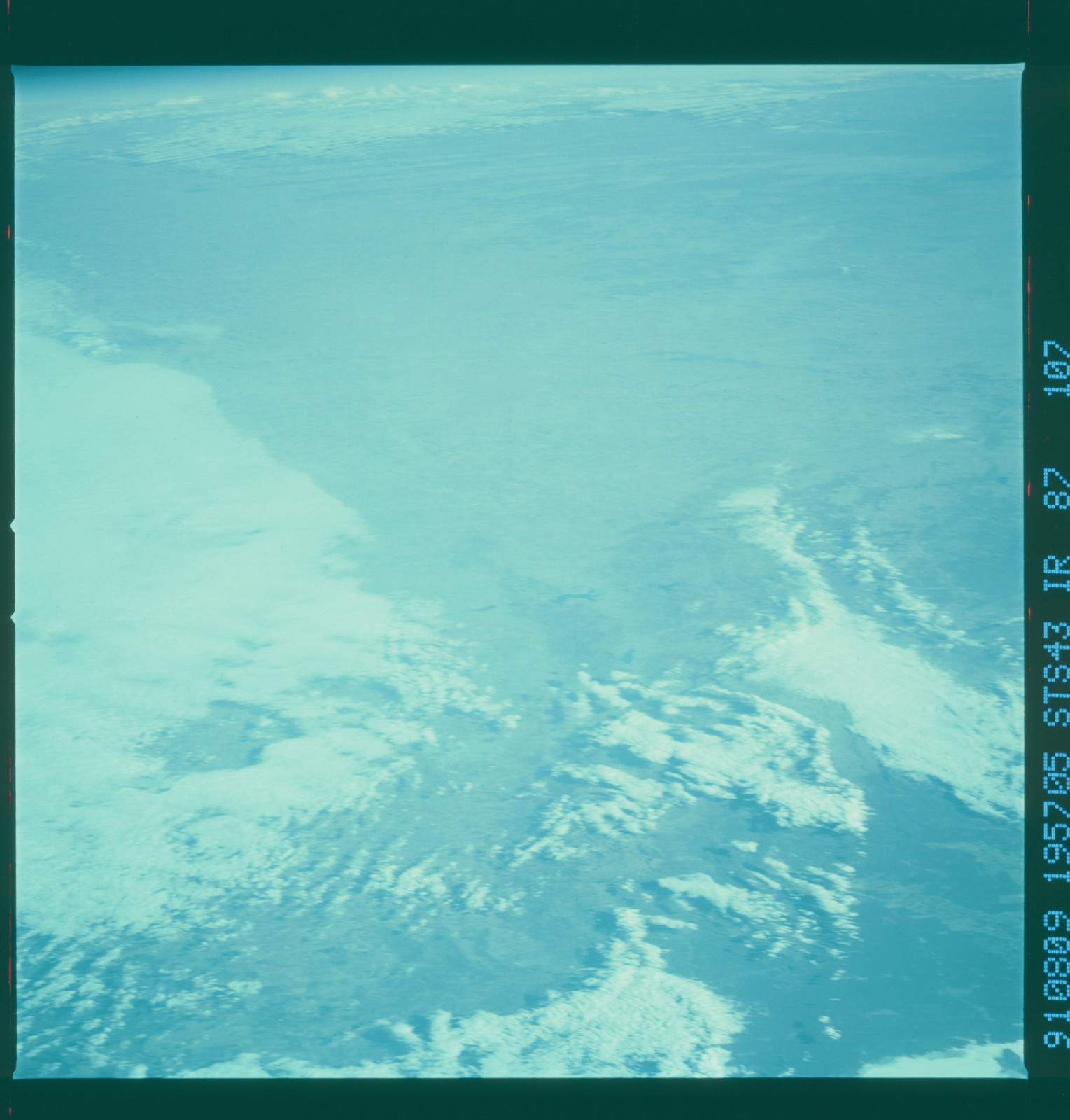 S43-87-107 - STS-043 - STS-43 earth observations