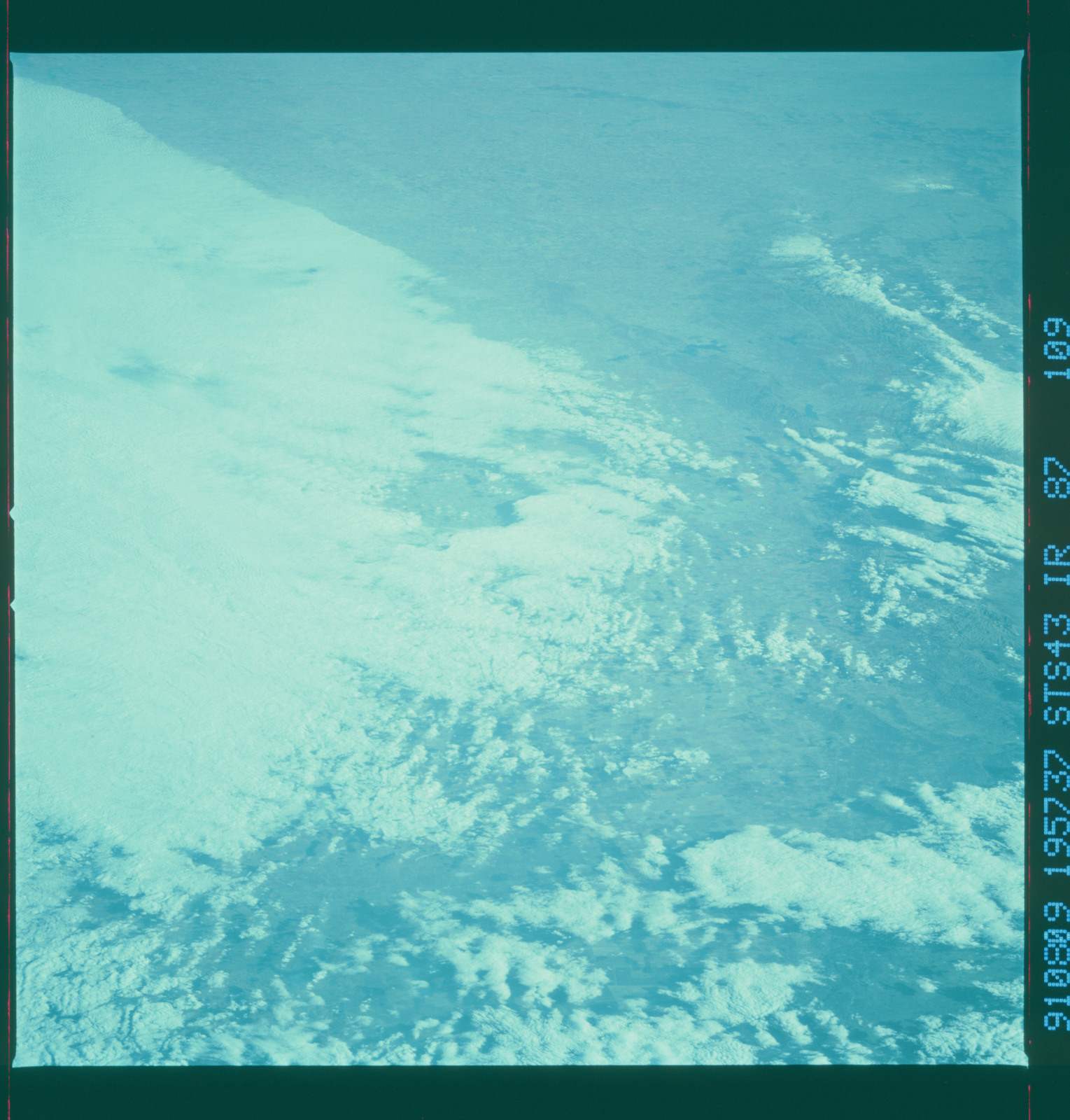 S43-87-109 - STS-043 - STS-43 earth observations