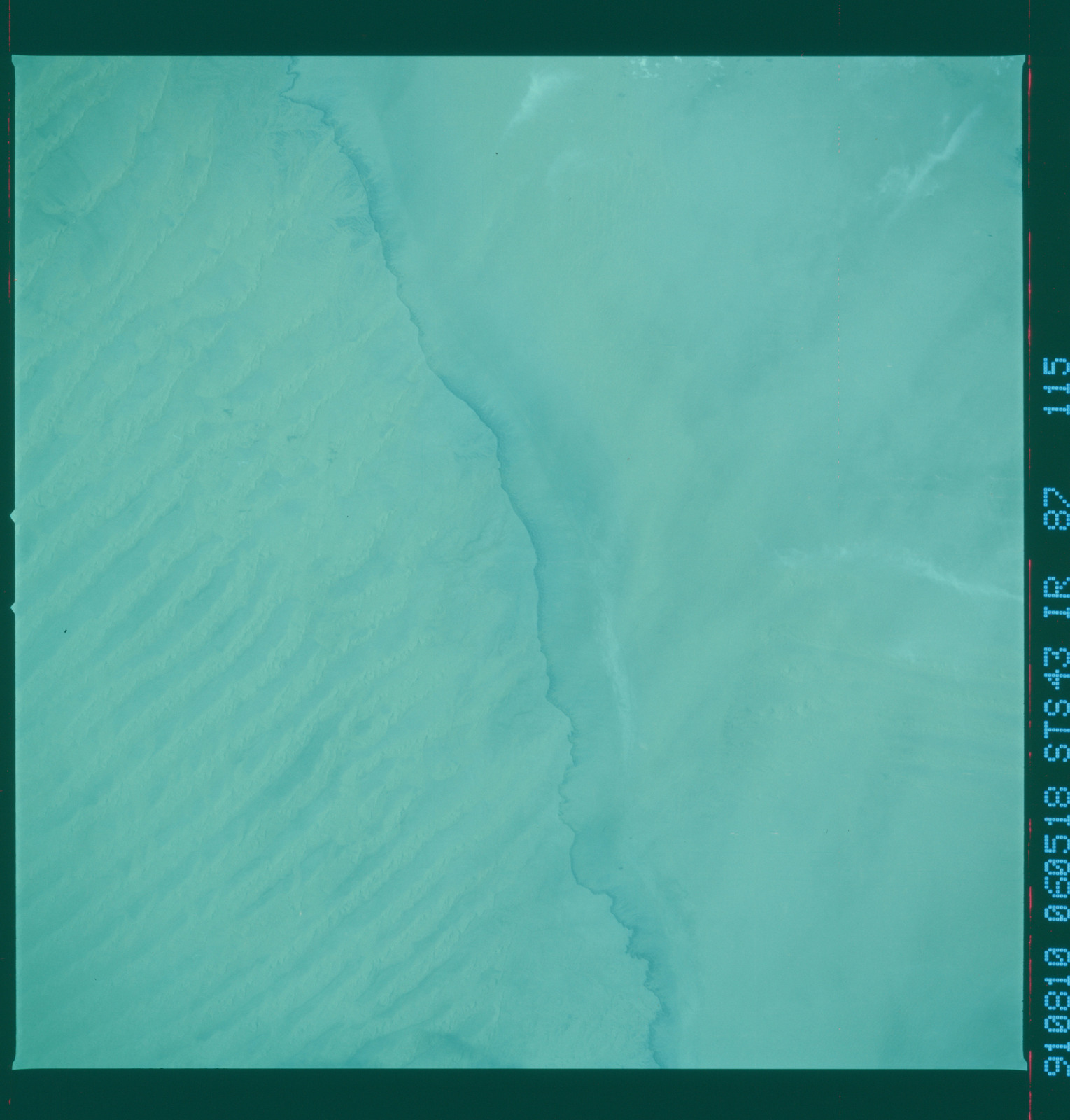 S43-87-115 - STS-043 - STS-43 earth observations