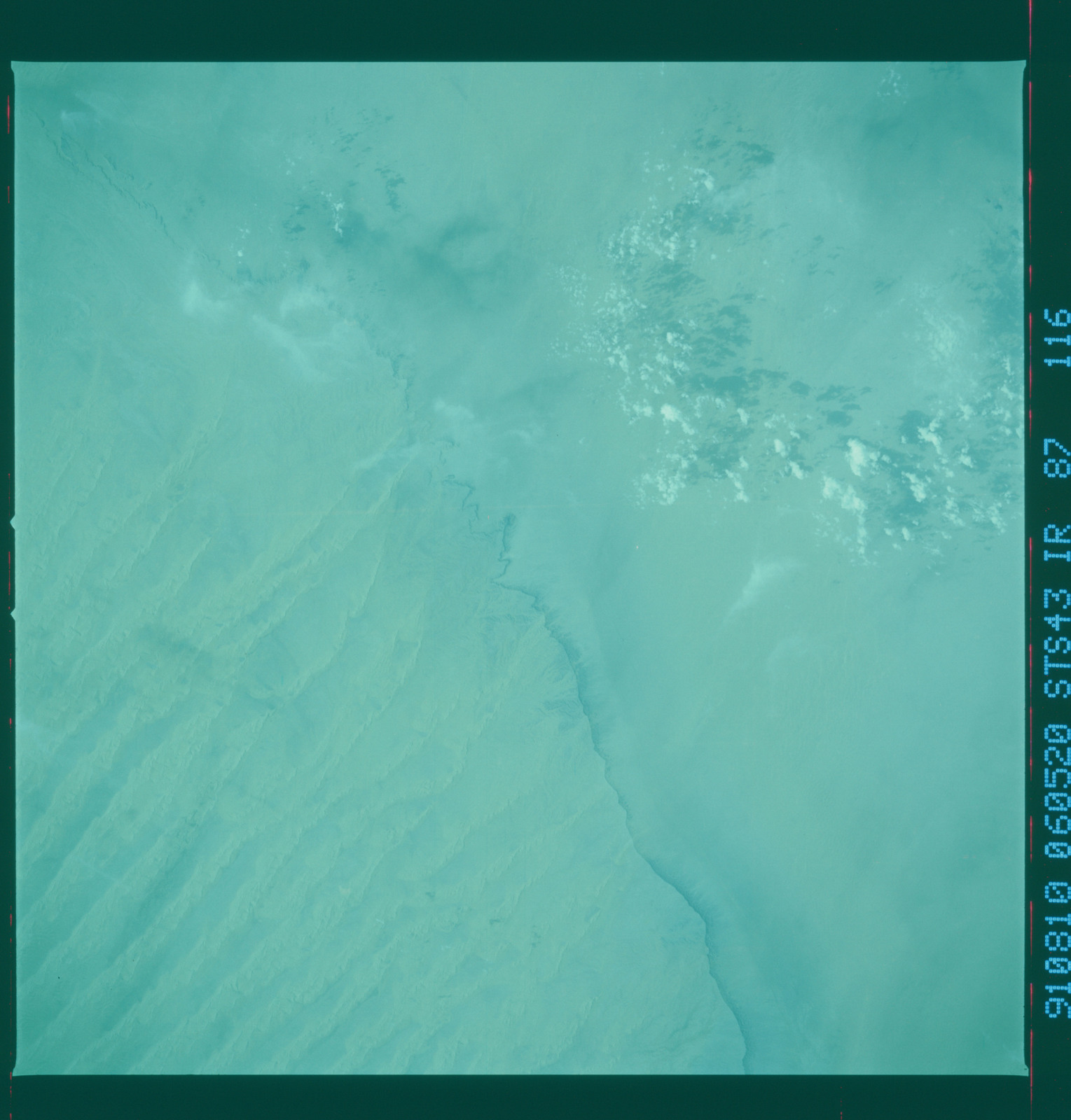 S43-87-116 - STS-043 - STS-43 earth observations