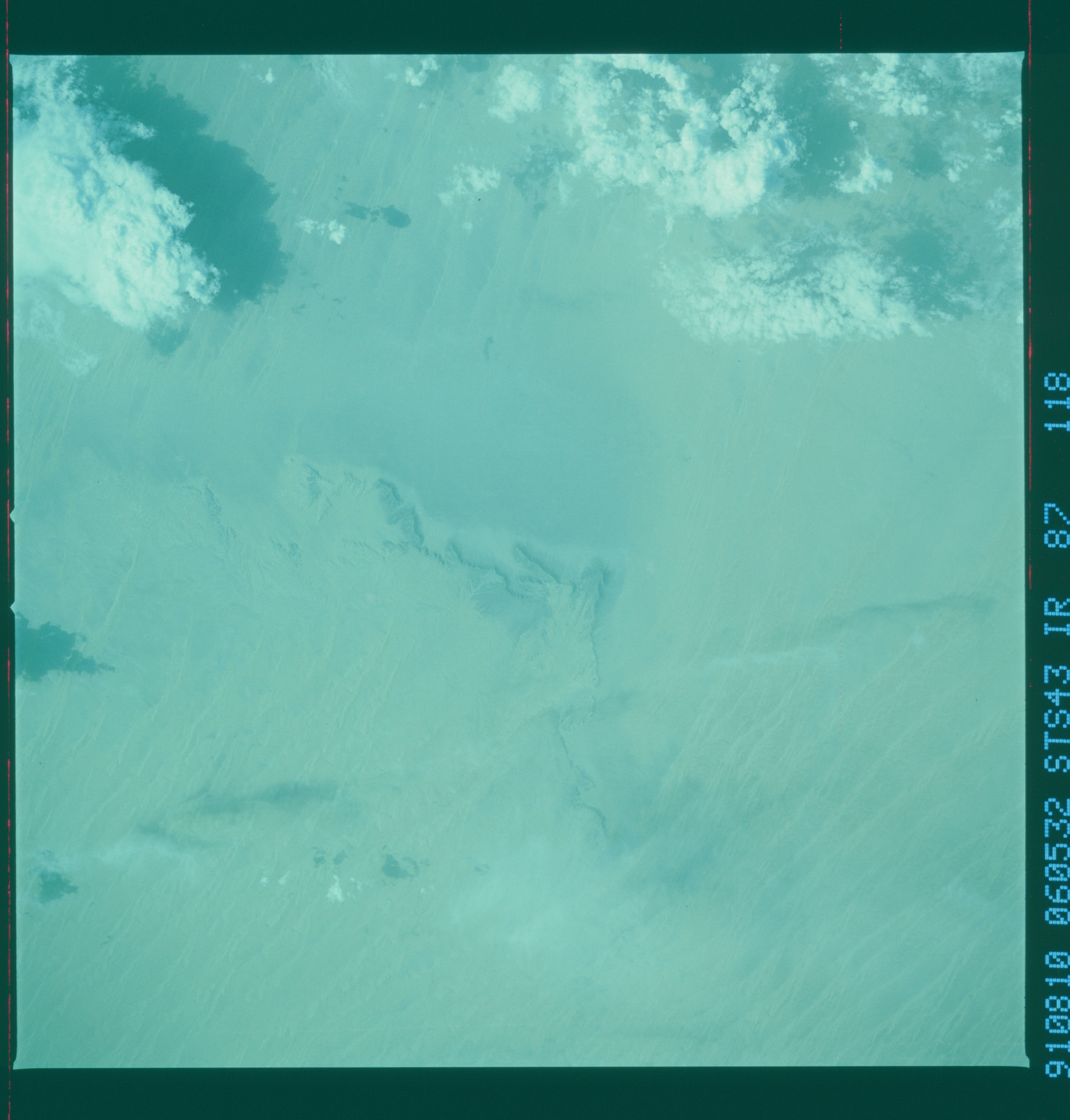 S43-87-118 - STS-043 - STS-43 earth observations