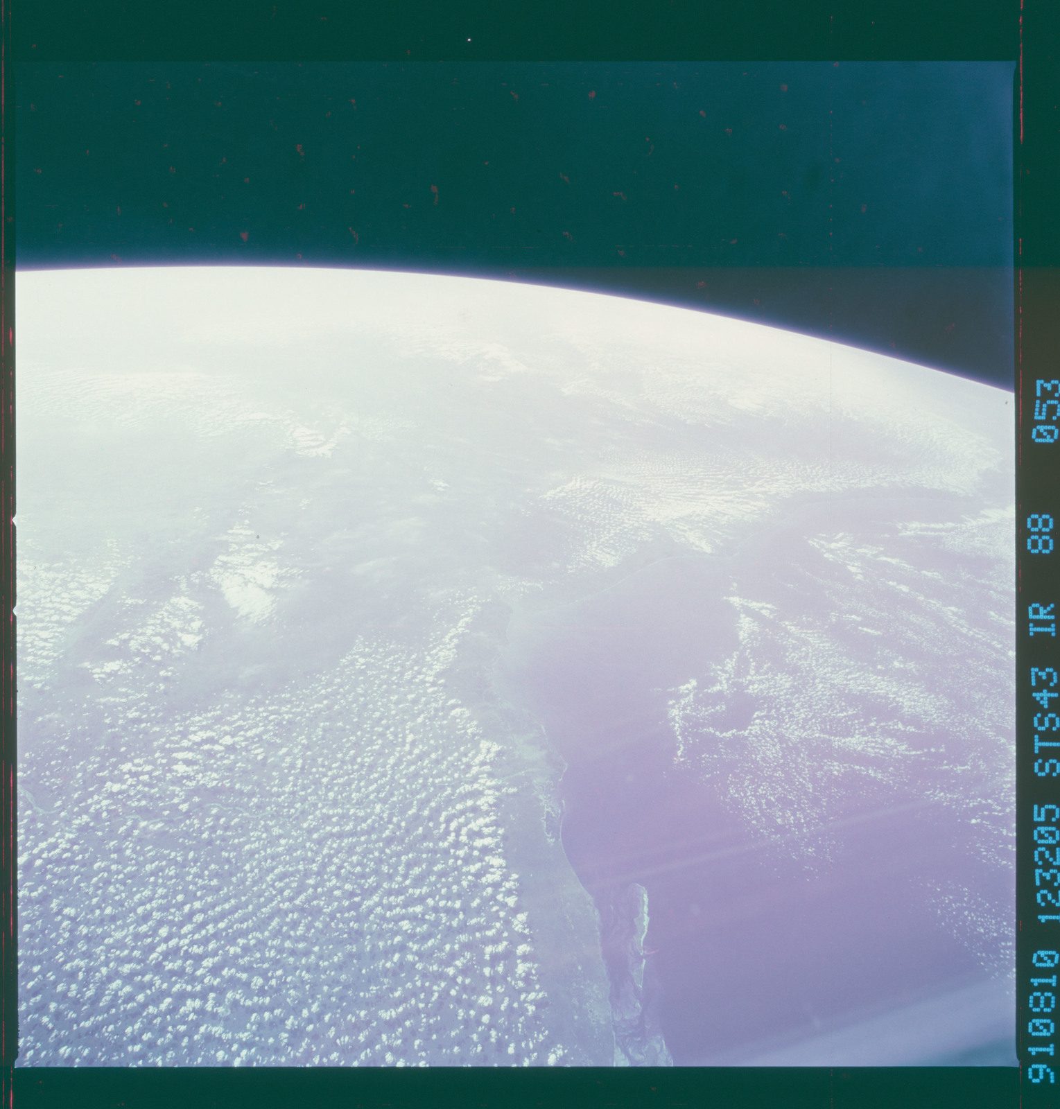 S43-88-053 - STS-043 - STS-43 earth observations