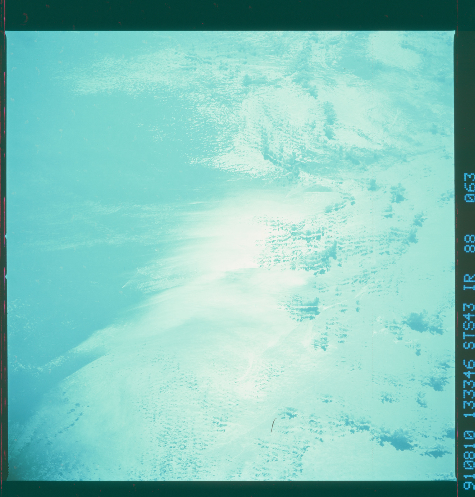 S43-88-063 - STS-043 - STS-43 earth observations