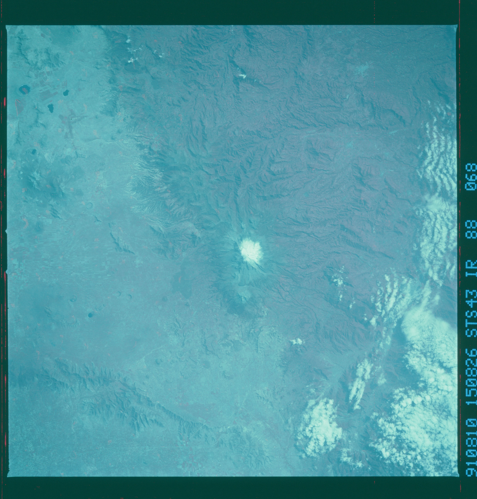 S43-88-068 - STS-043 - STS-43 earth observations