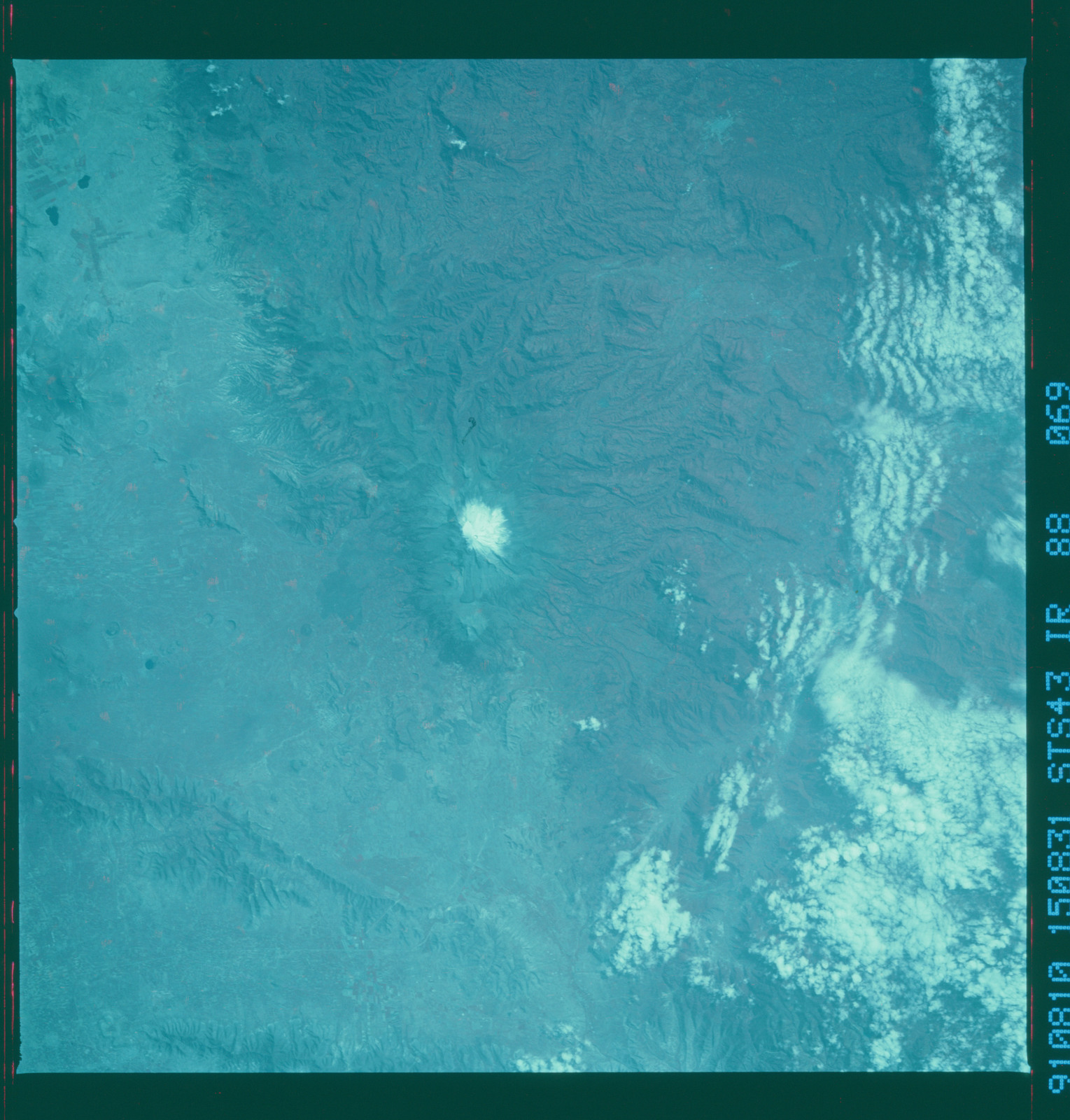 S43-88-069 - STS-043 - STS-43 earth observations