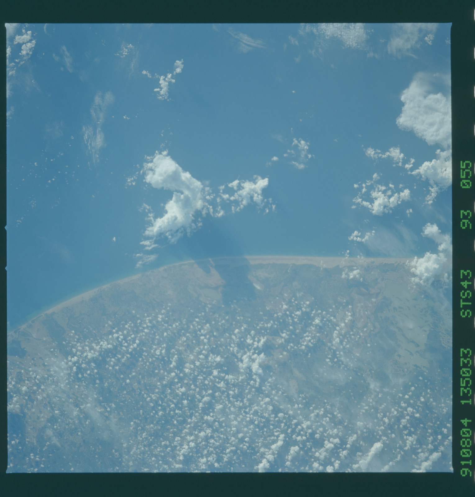 S43-93-055 - STS-043 - STS-43 earth observations