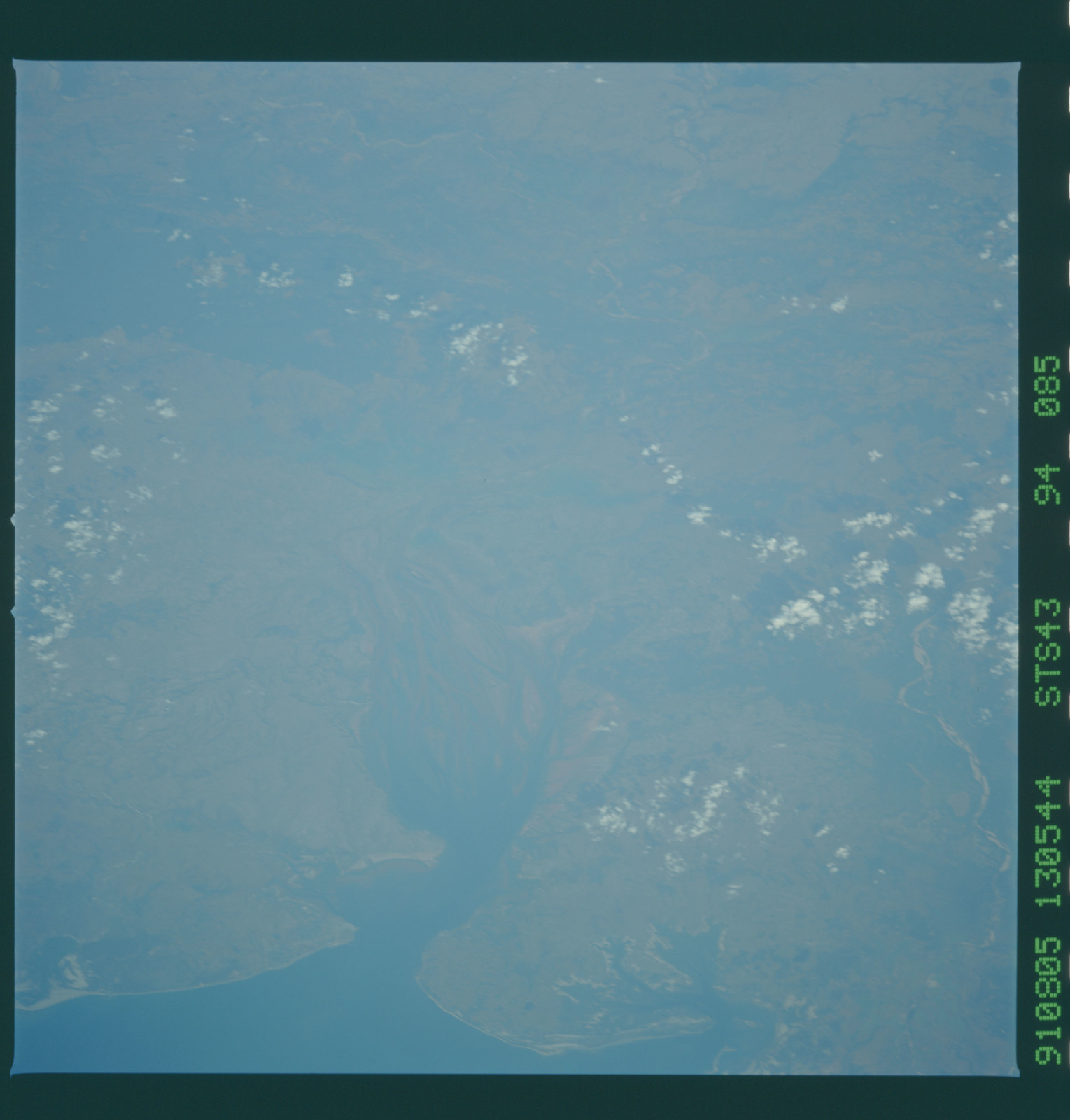 S43-94-085 - STS-043 - STS-43 earth observations