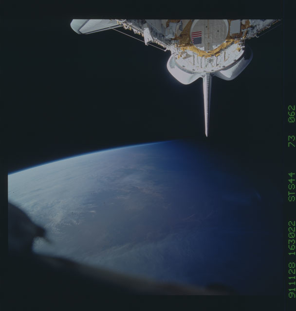 S44-73-062 - STS-044 - OV-104's empty payload bay after the deployment of the DSP/IUS spacecraft