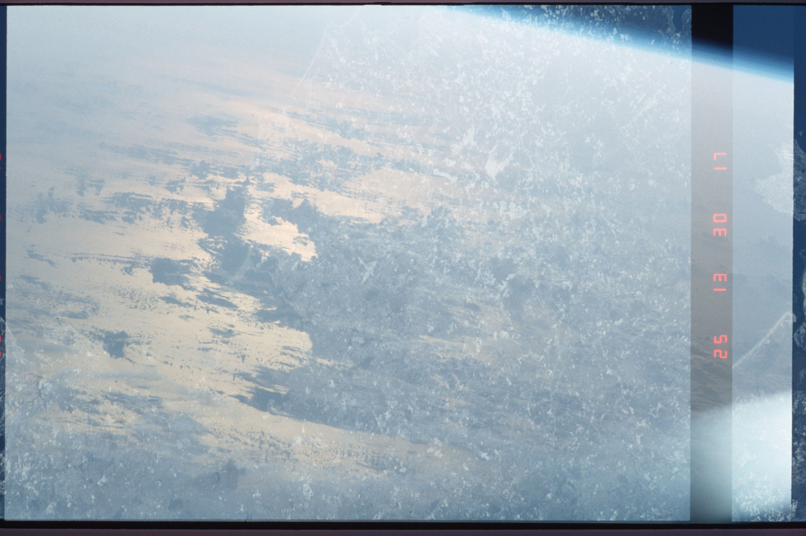 S45-01-037 - STS-045 - STS-45 earth observations
