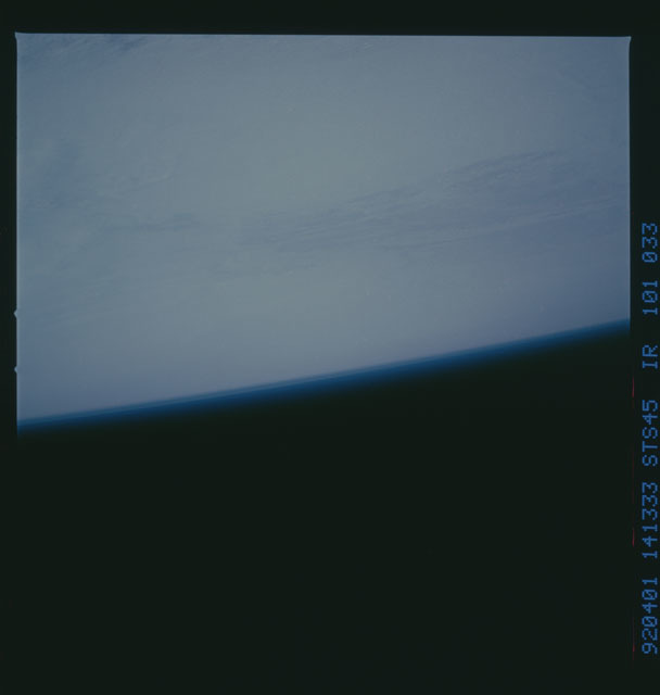 S45-101-033 - STS-045 - STS-45 earth observations