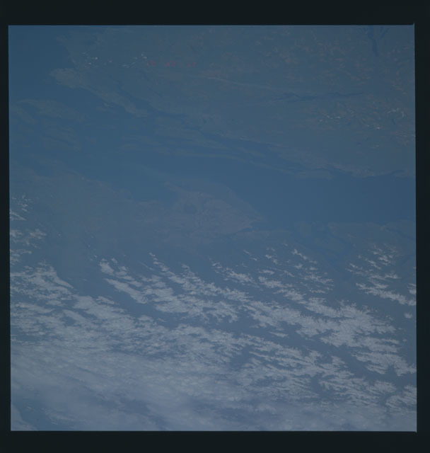 S45-624-004 - STS-045 - STS-45 earth observations