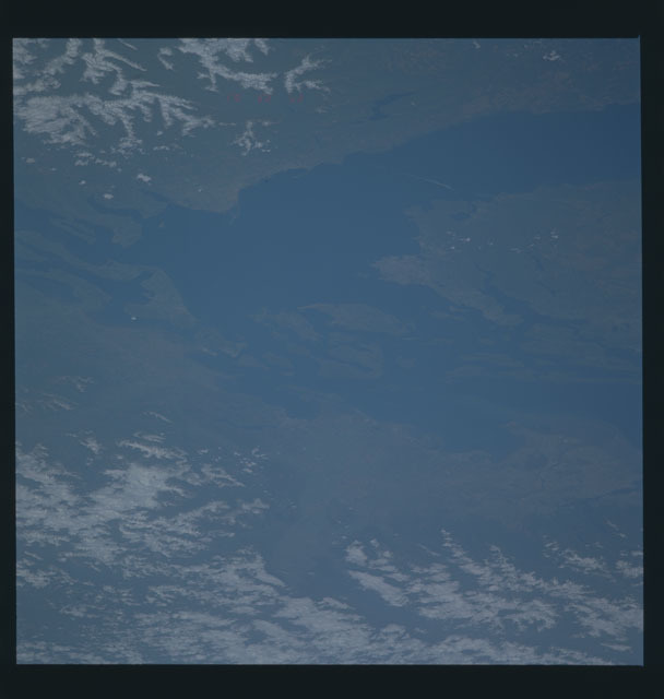 S45-624-006 - STS-045 - STS-45 earth observations