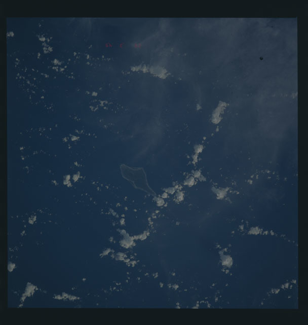 S45-624-066 - STS-045 - STS-45 earth observations