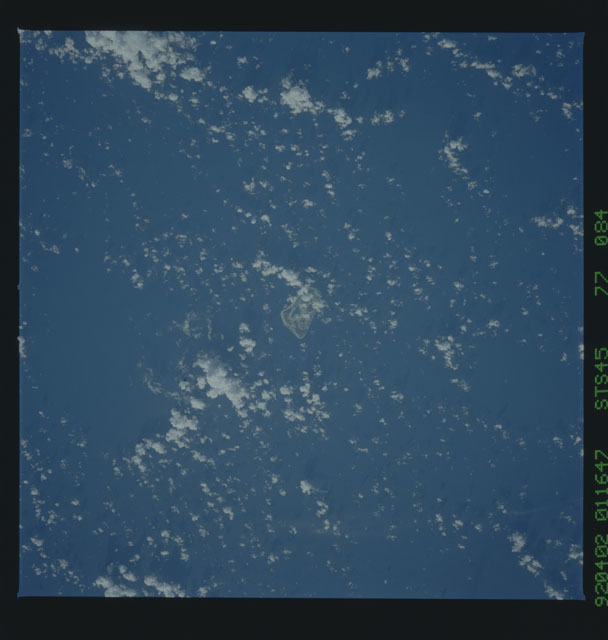 S45-77-084 - STS-045 - STS-45 earth observations
