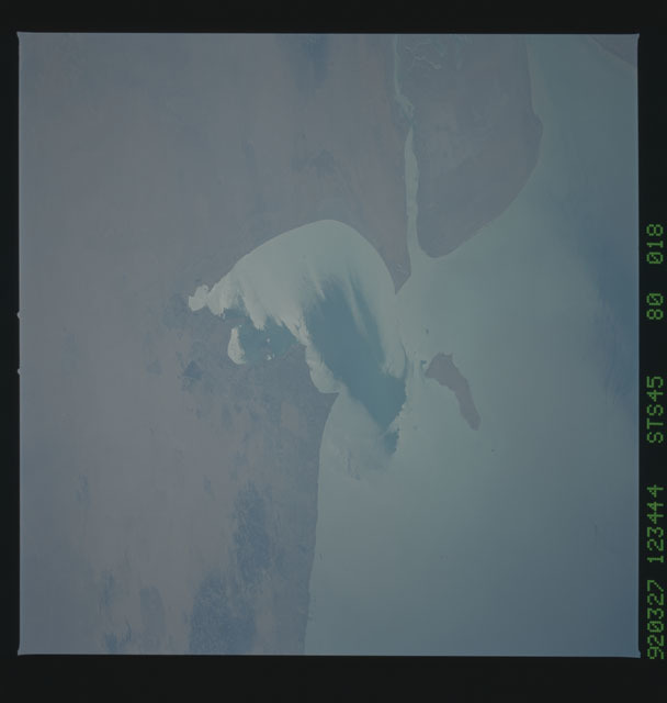 S45-80-018 - STS-045 - STS-45 earth observations