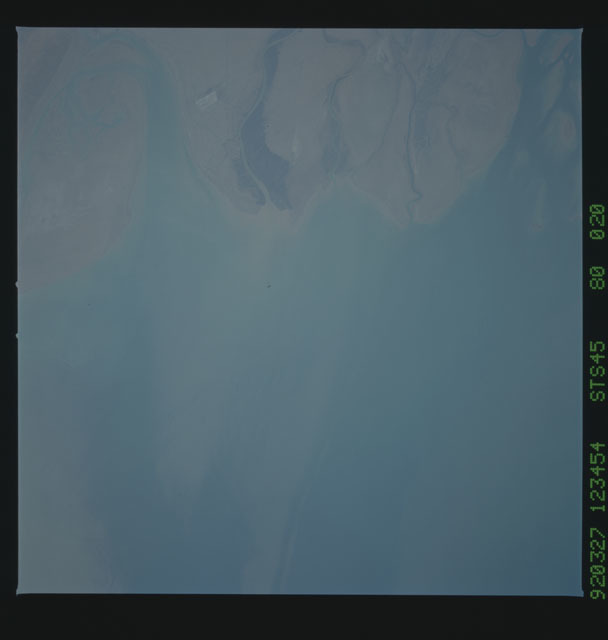 S45-80-020 - STS-045 - STS-45 earth observations