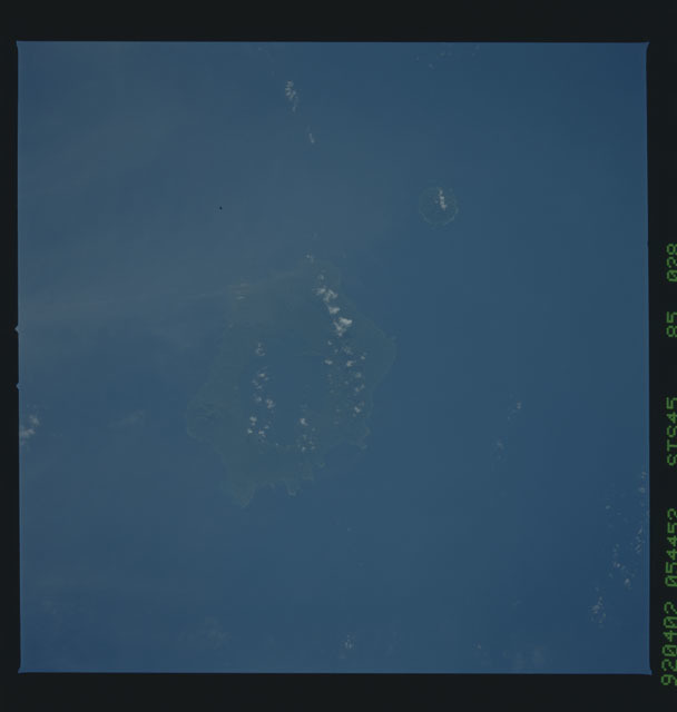 S45-85-028 - STS-045 - STS-45 earth observations