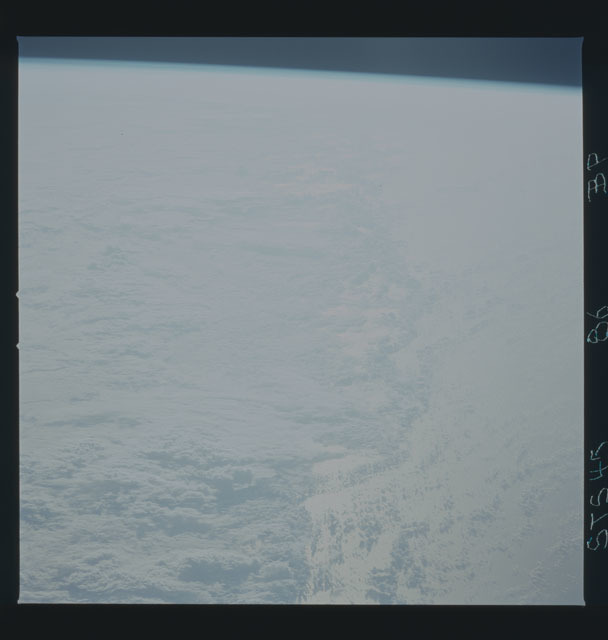 S45-86-000BP - STS-045 - STS-45 earth observations