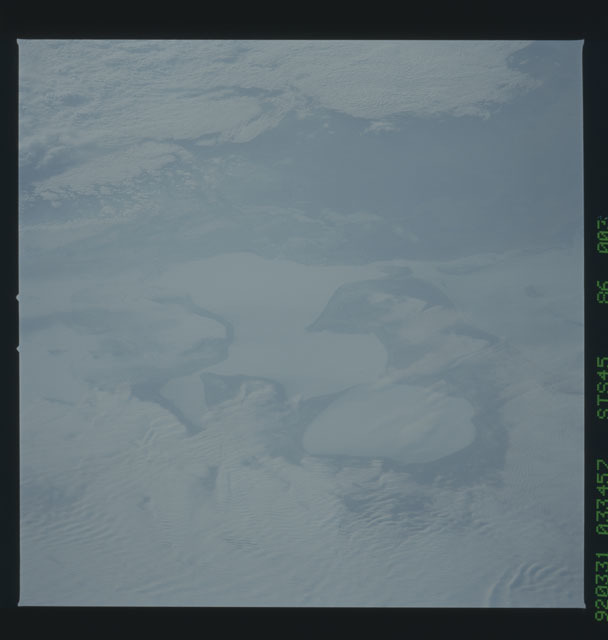 S45-86-003 - STS-045 - STS-45 earth observations