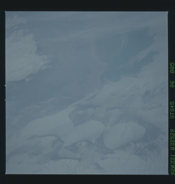 S45-86-005 - STS-045 - STS-45 earth observations