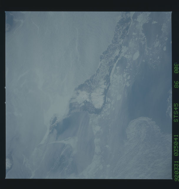 S45-86-008 - STS-045 - STS-45 earth observations