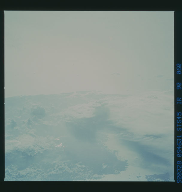 S45-90-060 - STS-045 - STS-45 earth observations