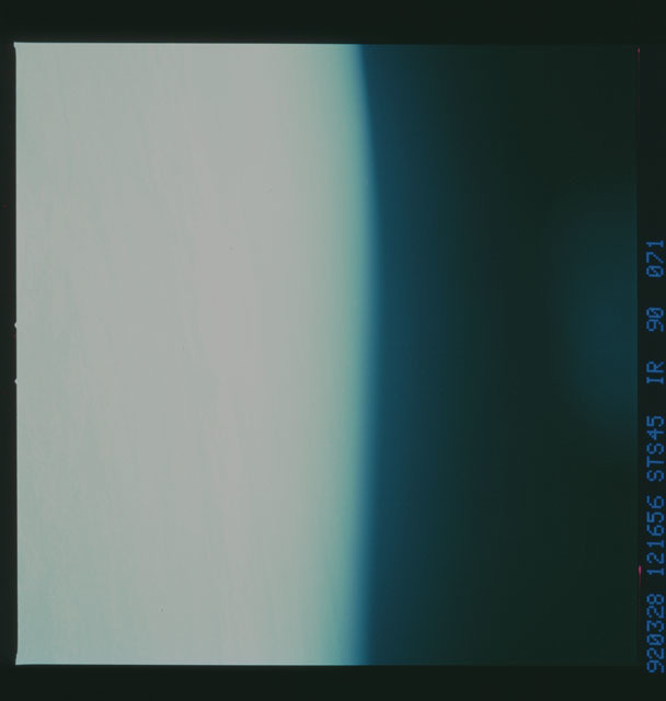 S45-90-071 - STS-045 - STS-45 earth observations