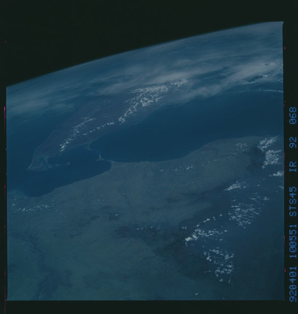 S45-92-068 - STS-045 - STS-45 earth observations