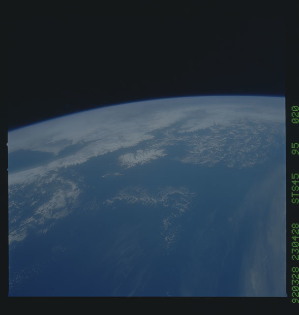 S45-95-020 - STS-045 - STS-45 earth observations