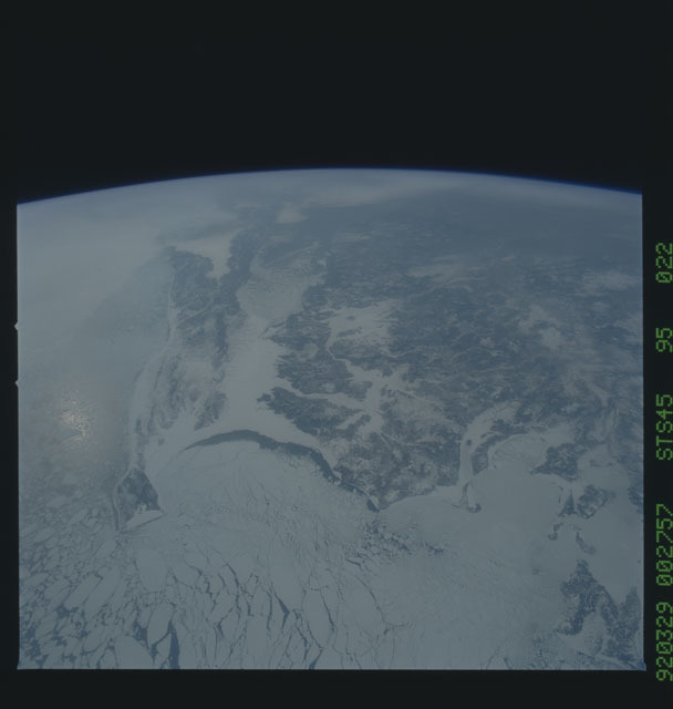 S45-95-022 - STS-045 - STS-45 earth observations