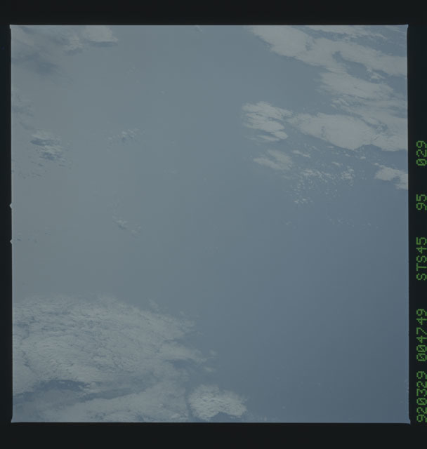 S45-95-029 - STS-045 - STS-45 earth observations