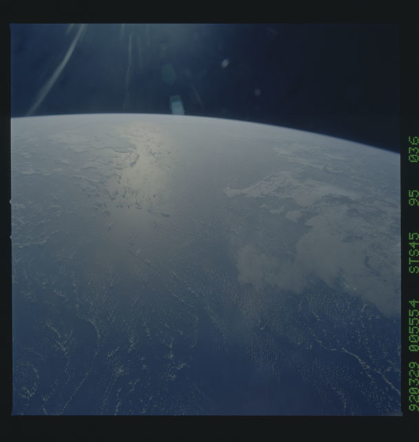S45-95-036 - STS-045 - STS-45 earth observations