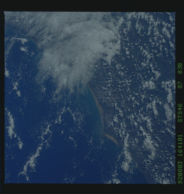 S46-87-038 - STS-046 - Earth observations from the shuttle orbiter Atlantis during STS-46