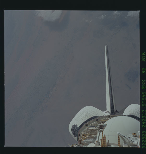 S46-90-016 - STS-046 - Earth observations from the shuttle orbiter Atlantis during STS-46