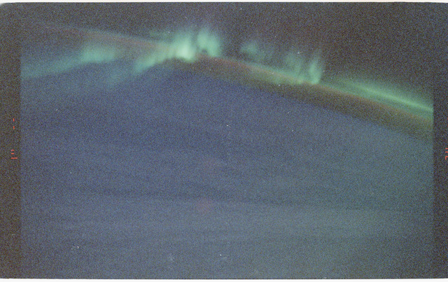 S47-14-003 - STS-047 - STS-47 views of the Aurora Australis