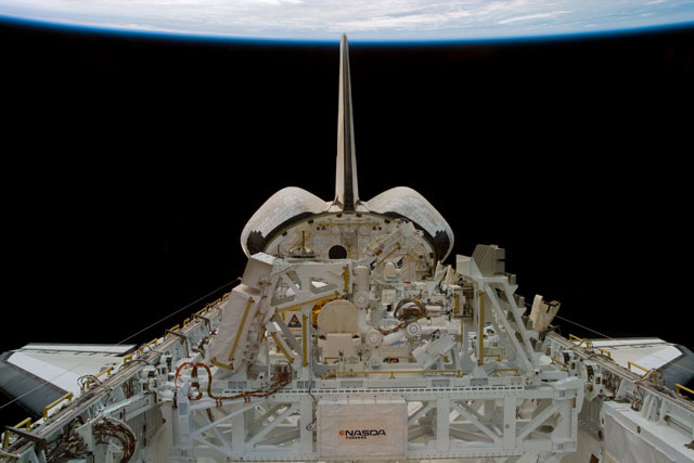 S85E5114 - STS-085 - Payload bay