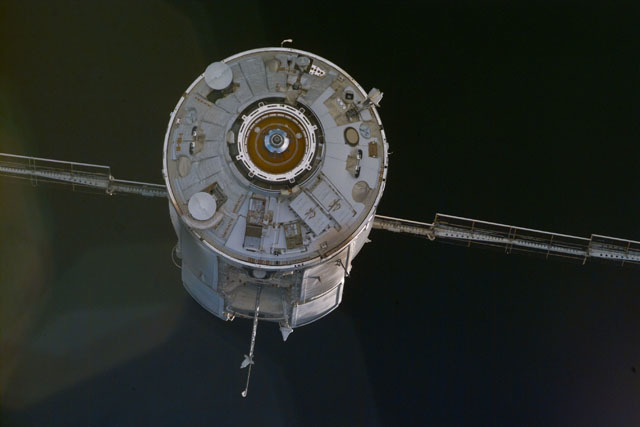 S88E5192 - STS-088 - View of FGB module