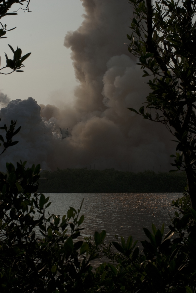 STS-118 - LAUNCH