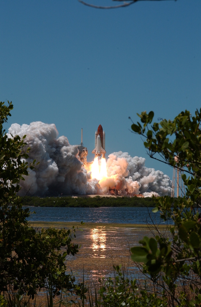 STS-121 - LAUNCH
