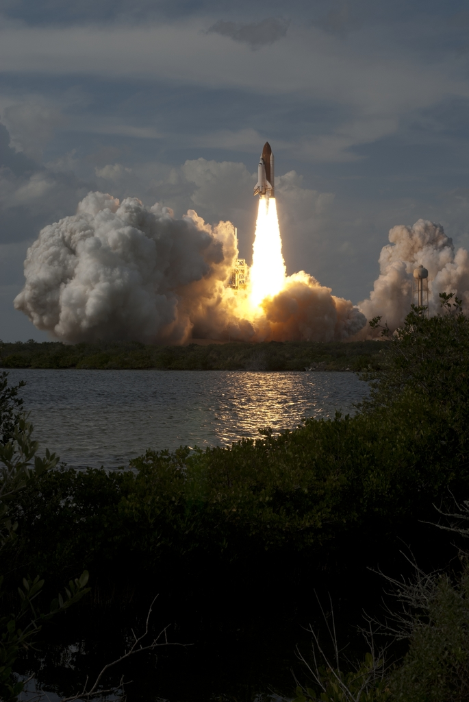 STS-122 - LAUNCH