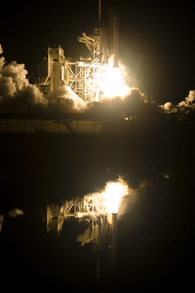 STS-131 - LAUNCH