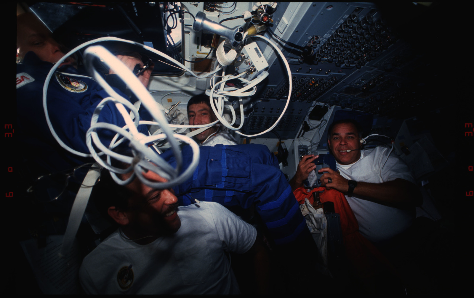 STS044-16-025 - STS-044 - STS-44 Musgrave, Gregory, Hennen and Runco pose on OV-104's flight deck