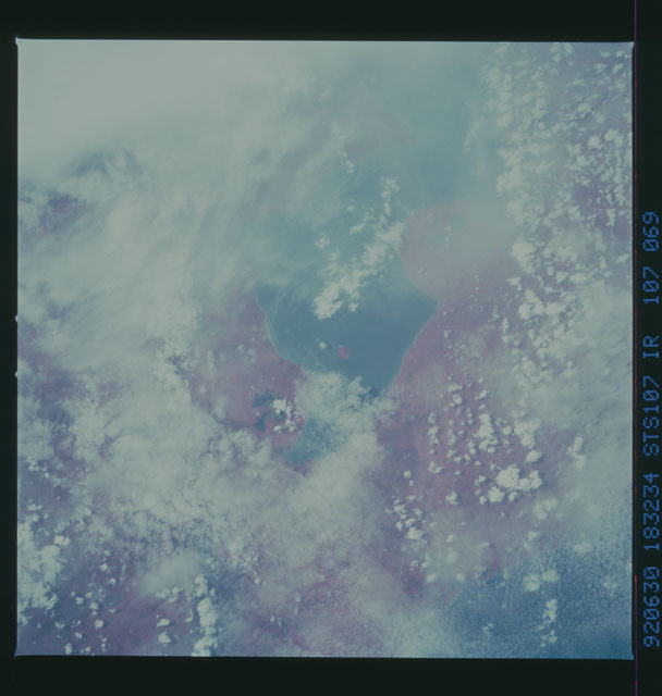 STS050-107-069 - STS-050 - STS-50 earth observations
