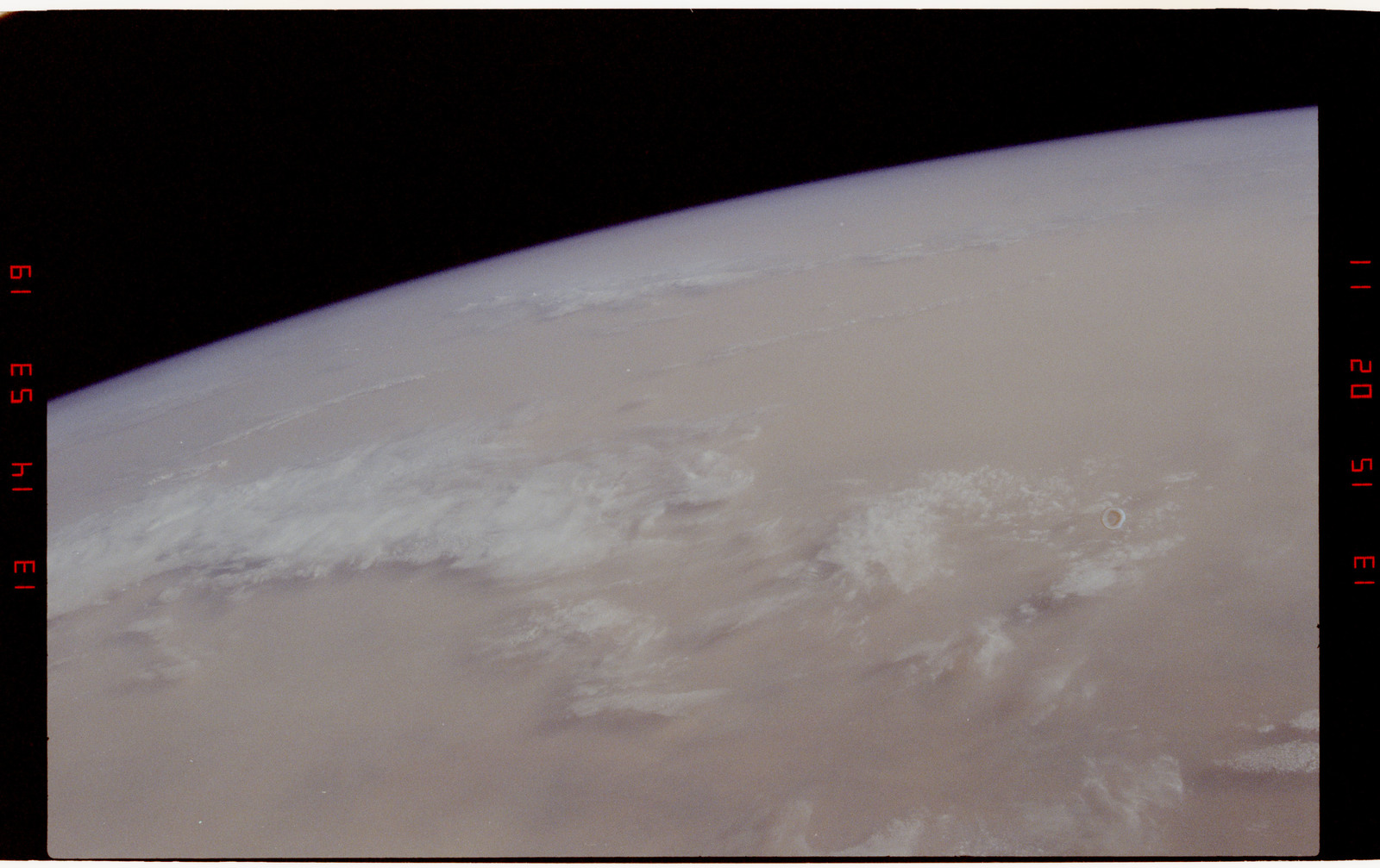 STS050-271-003 - STS-050 - Earth observations - Dust storm, air borne particulate matter.