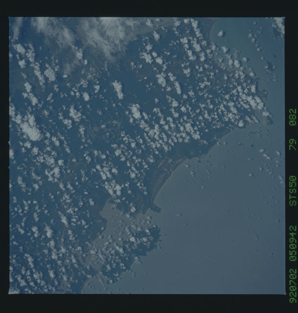 STS050-79-082 - STS-050 - STS-50 earth observations