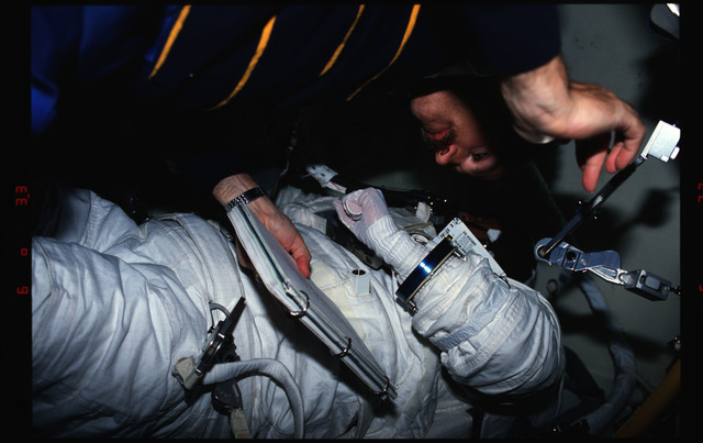 STS051-66-001 - STS-051 - Readdy, Walz and Newman in airlock after EVA