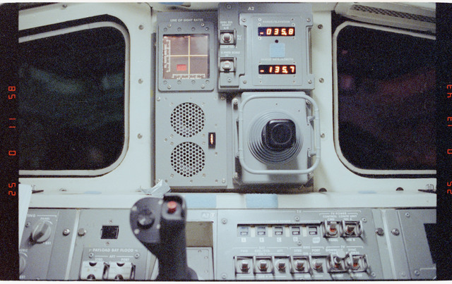 STS052-23-005 - STS-052 - Detailed close up views of the aft flight deck Translation Hand Control.