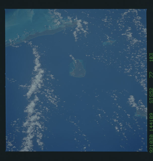STS052-77-103 - STS-052 - Earth observations from Columbia, Orbiter Vehicle (OV) 102, during STS-52