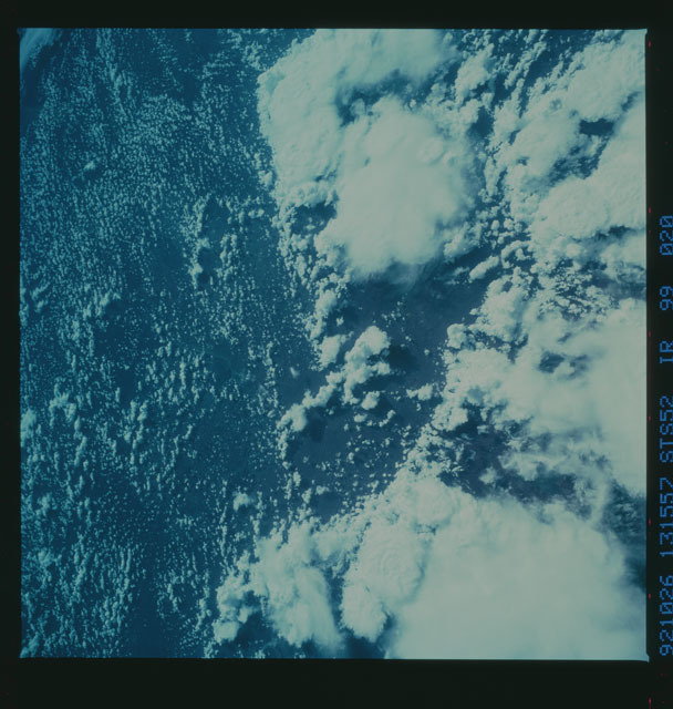 STS052-99-020 - STS-052 - Earth observations from Columbia, Orbiter Vehicle (OV) 102, during STS-52